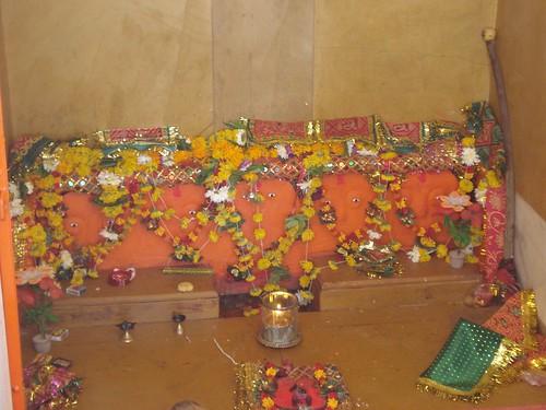 Rajapara Ni Rakhvadi by chamundamaa.