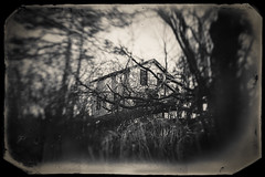 Dont turn your back (Just Add Light) Tags: farmhouse gnas gnascom justaddlight night photography rural abandoned urbanexploration longexposure blackwhite house