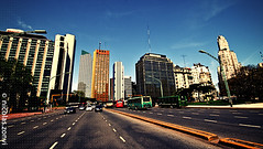 Downtown Break! (Nicolas Zonvi) Tags: argentina speed buenosaires downtown horizon avenue 169 breakingout catalinas sigma1020mmf456exdchsm nicolaszonvi