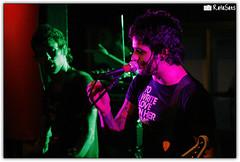 Fresno (Rafael Saes) Tags: show music rock canon rebel lights cola live lucas porto fresno indie shows luzes 75300mm msica coca bandas canto santo estdio silveira publicadas guaratuba xti eos400d estdiococacola