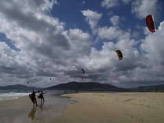 tarifa (antonio burguet) Tags: espaa kite art beautiful beauty spain nikon europa europe surf arte shot image magic awesome andalucia cadiz bella d200 nikkor andalusia antonio andalusien kitesurf imagen belleza tarifa magico magica burguet antonioburguet