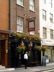 Picture of Chequers Tavern, SW1Y 6DB