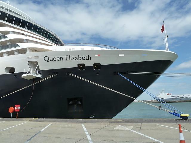 Cunard Queen Elizabeth in Zeebrugge