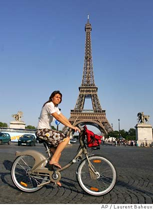 Velib at the Eiffel Tower