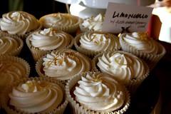 Limoncello (massdistraction) Tags: minnesota cupcakes baking minneapolis desserts uptown sweets handcrafted letterbox twincities bakedgoods cupcakesaturday madebysheela sheelanamakkal mielylechecatering wwwmielylechenet mielyleche