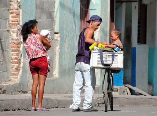 Cuban Family por mandalaybus.