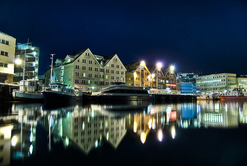 Tromsø harbor night-hdr