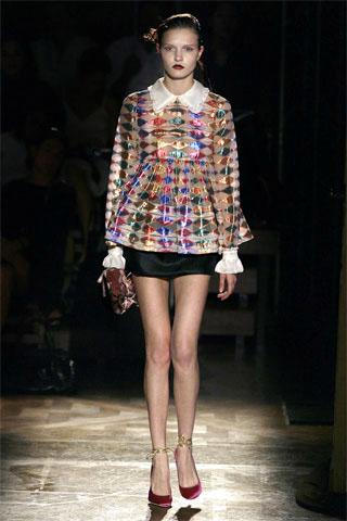 a biography of miuccia prada the italian fashion designer A profile of italian fashion designer miuccia prada including bios, history of the prada luxury brand, miu miu, the prada foundation, and her contribution.