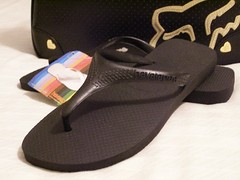 my black havi & my fox bag (honeyleighz) Tags: thongs flip havaianas reef kustom tsinelas havis fliops