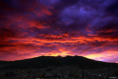 Los Colores del Atardecer - Sunset Colors in Quito (Bernai Velarde Photography ) Tags: sunset atardecer quito ecuador sony velarde pichincha dscr1 bernai celaje diamondclassphotographer