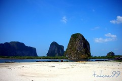 Pakmeng Beach, Trang Thailand (_takau99) Tags: ocean trip travel sea vacation holiday fish beach nature water topv111 landscape thailand topv555 nikon marine asia southeastasia december indian topv1111 indianocean 2006 thai tropical coolpix s1 pakmeng trang andaman andamansea takau99