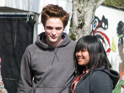 Edward/Robert and Mae in HQ by ~Mae.