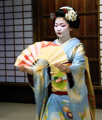 Maiko Naokazu, Kyoto (September_Okayama) Tags: portrait music beauty japan garden temple japanese dance kyoto pentax performance maiko geiko geisha  tamron  kamishichiken  naokazu