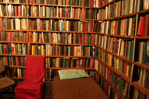 Shakespeare and Company room