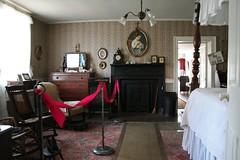 Bedroom (Black.Doll) Tags: illinois carmi 1814 nationalregisterofhistoricplaces whitecounty robinsonstewarthouse robinsonstewarthome