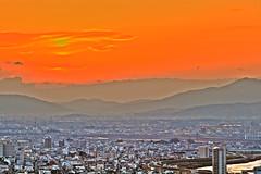 Gifu Sunset (HDR) (lolstaticx) Tags: light sunset sky mountain japan clouds canon cityscape cu nuvens gifu hdr montanhas japao ef55200 400d eoskissxti