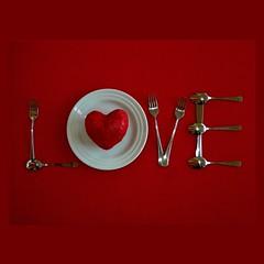 Happy Valentine's Day. Eat my love... (Osvaldo_Zoom) Tags: love happy heart postcard valentine eat valentinesday stvalentine saintvalentin sanvalentino 500x500 valentinsdag defidefiouiner thesuperbmasterpiece creattività