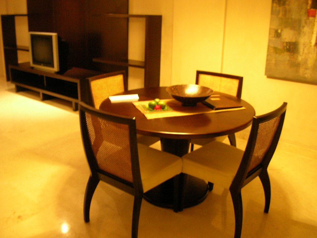 Deluxe suite dining room