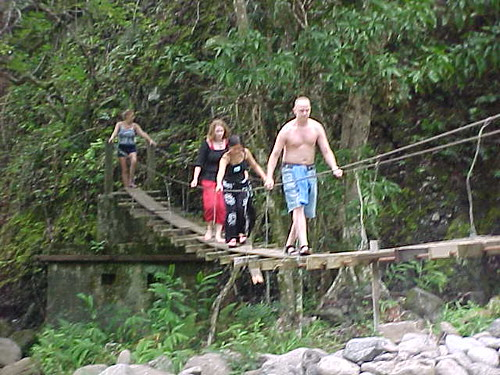 swinging-bridges-maui