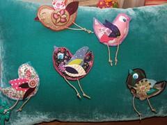 """Pregadeiras """"passarinhos"""" (Susana Tavares) Tags: birds handmade passaros tecidos acessrios pregadeiras susanatavares pintadomo"""