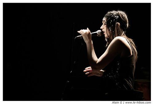 Photo de 21 Love Hotel en concert au Divan du Monde