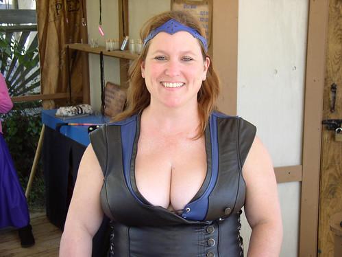 Busty brunette mom anal