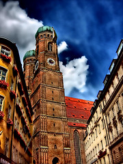 Frauenkirche.jpg (gatowlion) Tags: photoshop germany munich bayern bavaria action dom muenchen bildbearbeitung