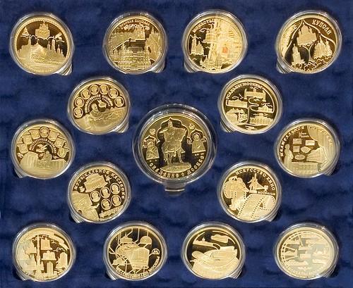 Продаю монеты гвс все имеющиеся к этому моменту,монеты посвященные 1812 году 2р и 5р (комплекты),монеты сочи и много
