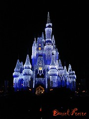 Walt Disney World Magic Kingdom (Daniel Freire) Tags: parque usa castle orlando princess daniel sony magic disney eua castelo noite sininho luzes wdw waltdisneyworld sonho magickingdom waltdisney estadosunidos magia iluminao fogos cinderela worldofdisney danielfreire duetos frenteafrente disneypics castledisney castelodacinderela castelodadisney imagensdadisney picturesofdisney dinseypictures castelowaltdisney disneyimagem disneyimagens imagemdadisney disneyworldatusa castelodisney fogosdisney thinkebell