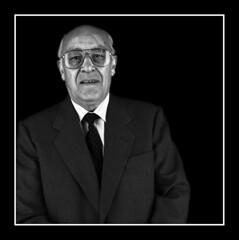 Anciano1.jpg (Jose Luis Durante Molina) Tags: portrait bw 120 persona retrato bronica formatomedio coolestphotographers justhitmewithyourbestshotjune2008photoofthemonthcontestant joseluisdurante