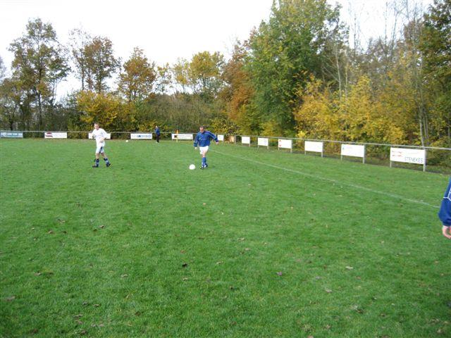 voetbal 02-11-07 008