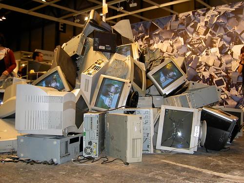 basura electrónica por manuelfloresv