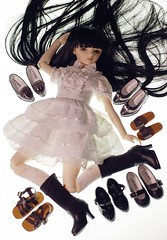 Mee is bathing in new shoes (Linda Leow) Tags: liz shoes volks sd10 mee leeke leekeworld