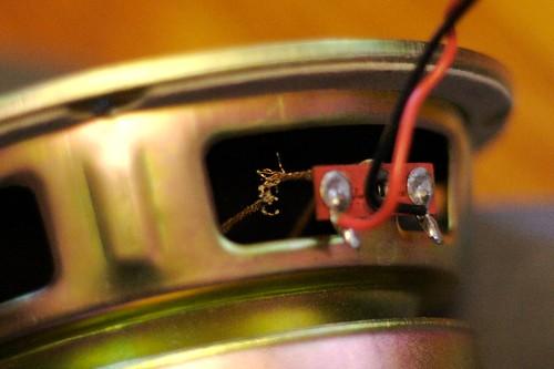 broken wire cable speaker