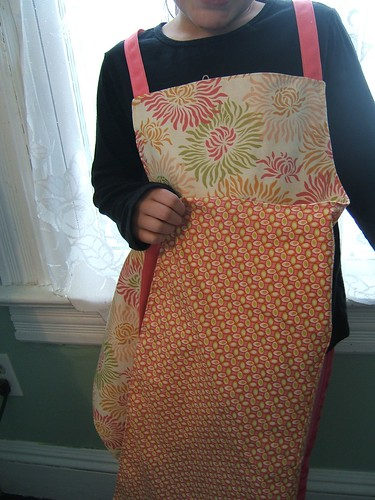 reversible Freshcut apron for mom