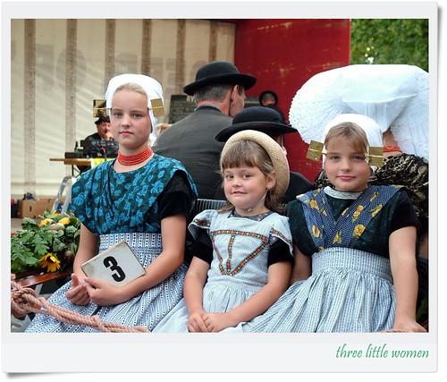 """three little women"", aPicaDay015 by friendsofarnon, on Flickr"