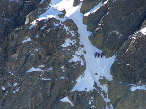 Cordada subiendo la norte del Almanzor