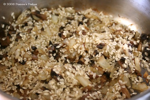 Goat Cheese and Salmon Risotto: Mushrooms, Onion and Risotto Rice