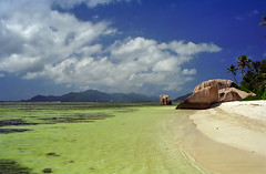 Inside the reef at Anse Source D'Argent (LimeWave Photo) Tags: africa travel beach sand paradise indianocean azure boulder granite seychelles ladigue ansesourcedargent mahé limewave veuvenaturereserve indiskaoceanien