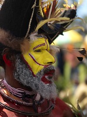 Huli wigman Papua New Guinea (Eric Lafforgue) Tags: pictures hat yellow festival jaune photo picture culture tribal hasselblad highland papou tribes png tribe papuanewguinea papua ethnic hagen singsing huli papu ethnology oceania  ethnologie h3d papus oceanie ethnique papous papuaneuguinea lafforgue papuanuovaguinea wigman  ethnie ericlafforgue papuan papouasie papouasienouvelleguine mounthagen mounthagenshow papuans papoeanieuwguinea papusianovaguin wigmen hulis mthagenshow ericlafforguecom wwwericlafforguecom   papuanewguineapicture papuanewguineapictures paouasienouvelleguinephoto papouasienouvelleguineephotos papuanewguineanpeople mthagenfestival mounthagenfestival maquillagemounthagen maquillagemthagen makeupmthagen papanuevaguinea augustfestival    paapuauusguinea  papuanovaguin papuanovguinea   bienvenuedansmatribu
