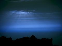 Azul (_Zahira_) Tags: blue sky azul night lafotodelasemana noche bravo olympus cielo tenerife nocturna scc e500 uro 100vistas interestingness209 i500 p1f1 ltytrx5 ltytr2 ltytr1 ltytr3 ltytr4 ltytr5 ltytr6 ltytr7 ltytr8 notecansasdeganarretosxd