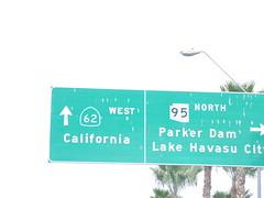 AZ-95 North at Truck AZ-95 (To CA-62) (sagebrushgis) Tags: arizona sign overhead parker biggreensign az95 ca62 californiastatehighway arizonastatehighway