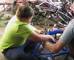 learning through doing.jpg (chdot) Tags: cycling edinburgh bingham craigmillar binghambicycleclub richardorr