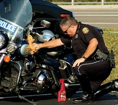 What The . . . . . ? (Lil Wally) Tags: detail bike photos police polish pd cycle harleydavidson cop motorcycle motor unlimited clearwater patrolman