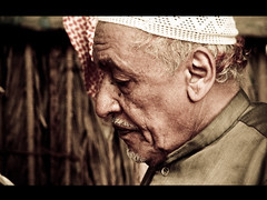 (@lkuwari ..Nippon :D) Tags: old man asian village traditional games 2006 doha qatar       lkuwari