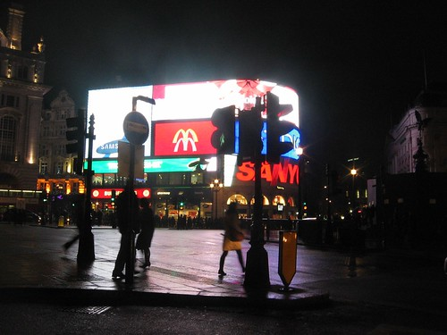 London - Piccadilly Circus by night