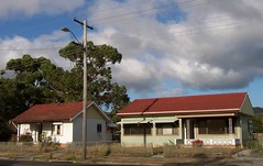 Derelict houses cnr of Ocean Beach Road & Pioneer Road (Spikebot) Tags: australia nsw demolished walkies umina brisbanewater pc2257 auspctagged brokenbay oceanbeachroad