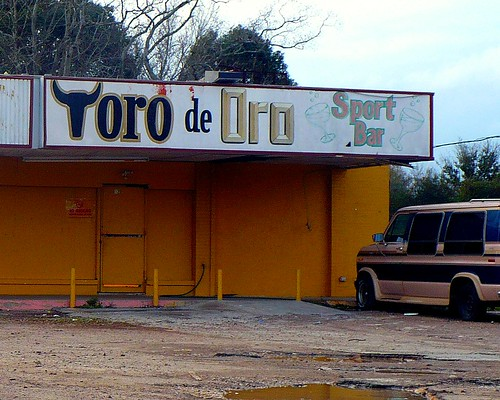 toro de oro sports bar