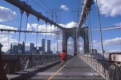 Brooklyn Bridge once upon a time (Rob de Hero) Tags: nyc bridge ny newyork analog manhattan worldtradecenter slide dia brooklynbridge twintowers wtc analogue jogging jogger