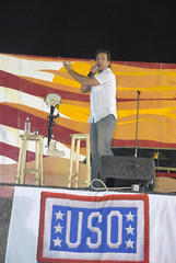 Dane Cook (1) (xxxsoldier123) Tags: comedy iraq may cook dane iq cob uso base operating speicher tikrit danecook contingency cobspeicher armyshow contingencyoperatingbase